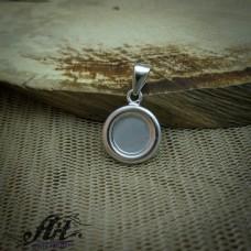 Сребърен медальон с бял седеф P-0316