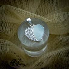 Сребърен медальон с бял седеф P-0314