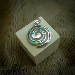 Сребърен медальон с цветен седеф  P-0320