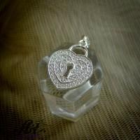 """Сребърен медальон с цирконий """"Ключ към сърцето ти"""" P-709"""