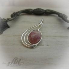 """Сребърен медальон с естествен камък """" Ягодов кварц"""" P-091"""