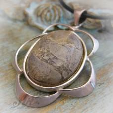 """Сребърен медальон с естествен камък """" Вогесит"""" P-082"""