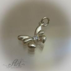 """Сребърен медальон с цирконий """" Пеперудка"""""""